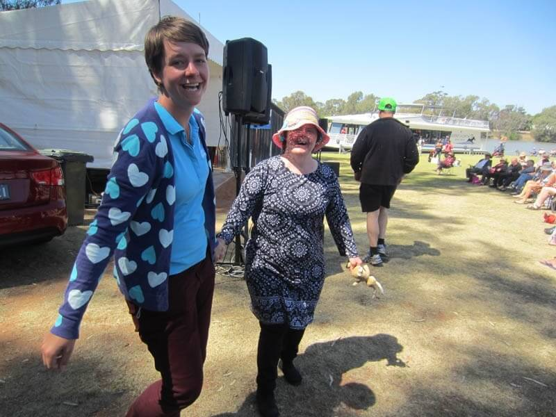 supported holiday - mildura country music festival victoria