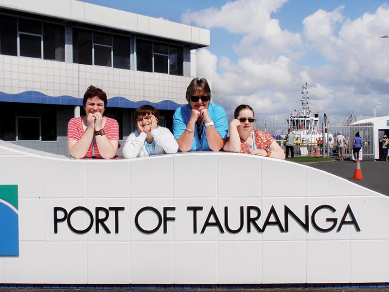 supported holiday - cruise new zealand dunedin